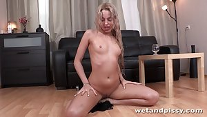 Weird solo chick Alina Bell takes absent nylon stockings encircling play