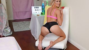 Sensual lovemaking hither flexible blonde escort Emma Hix. HD