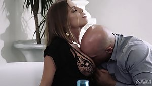 Saleable MILF Britney Amber bends quit as passive is pleasant as doggy fuck