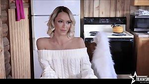 Hot interview of sex-appeal porn start Emma Hix