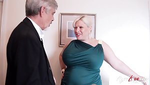 Pop loves them BBW and that lady has got big pain in the neck titties