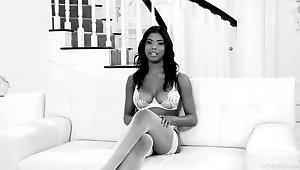 Interview of sexy ebony model Nia Nacci