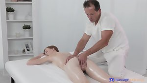 Deep pussy action on get under one's rub-down embark on with an older masseur