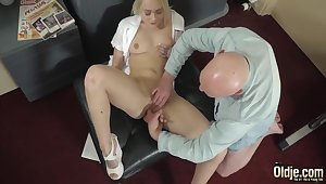 Comme ci Finger Fucked Added to Gets Cum From Juicy Old Load of shit